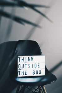 Symbolbild: Think outside the box